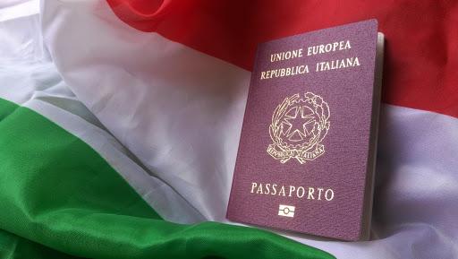 Non ottiene la cittadinanza italiana perché di lavoro fa il giocatore di poker